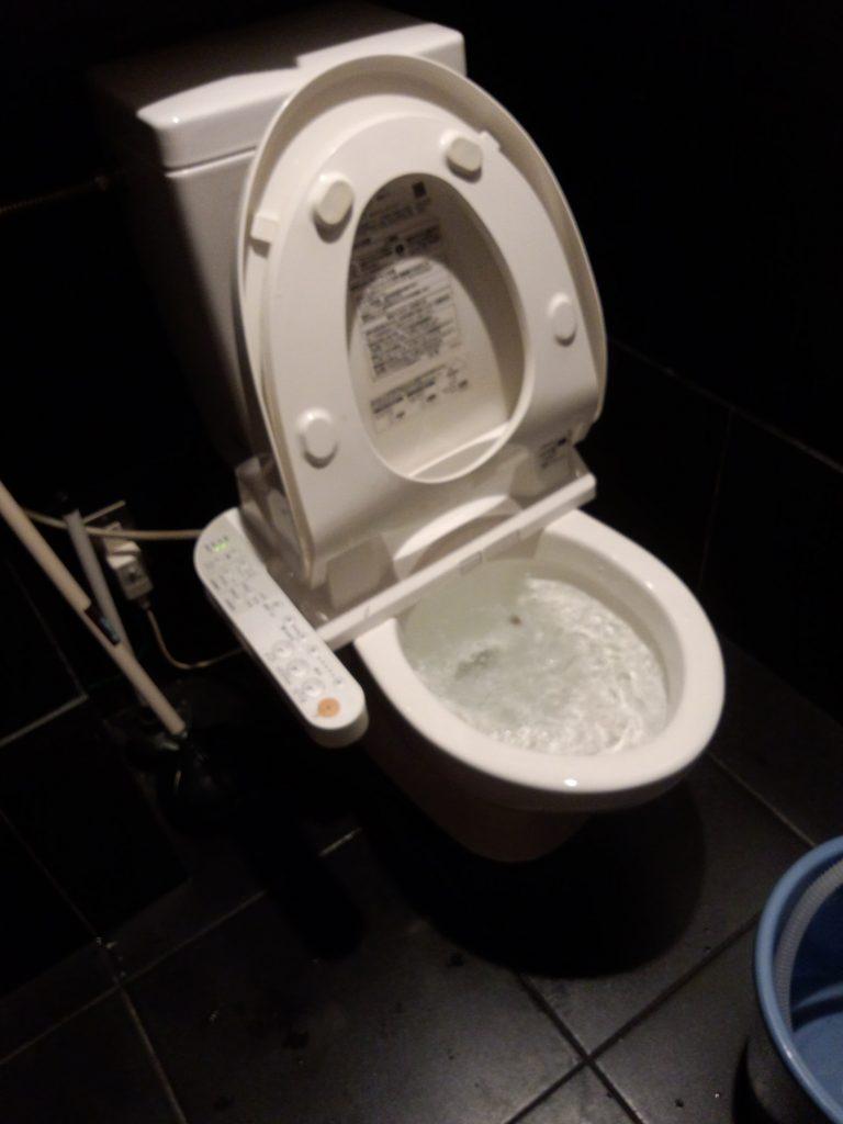 札幌市中央区 トイレつまり除去 トイレの水が流れない
