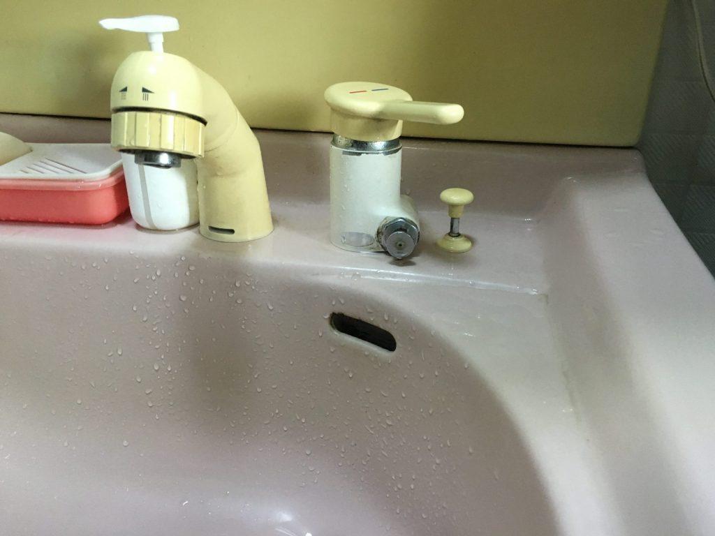札幌市西区での、MYMシャワー混合栓交換工事です。