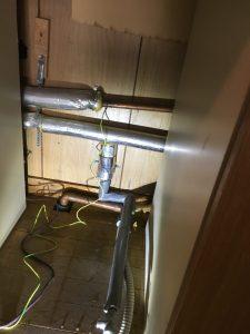 キッチン裏水道管水漏れ修理,札幌市北区,キッチン裏銅管ピンホール修理