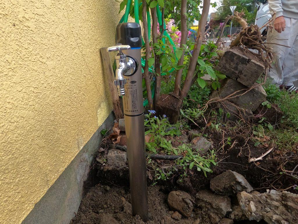 散水栓のハンドルが硬くて回らない!水抜き栓の交換工事