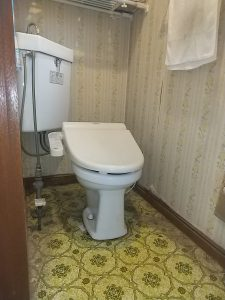 TOTO隅付トイレ水漏れ修理