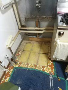 水抜き栓交換工事床開口